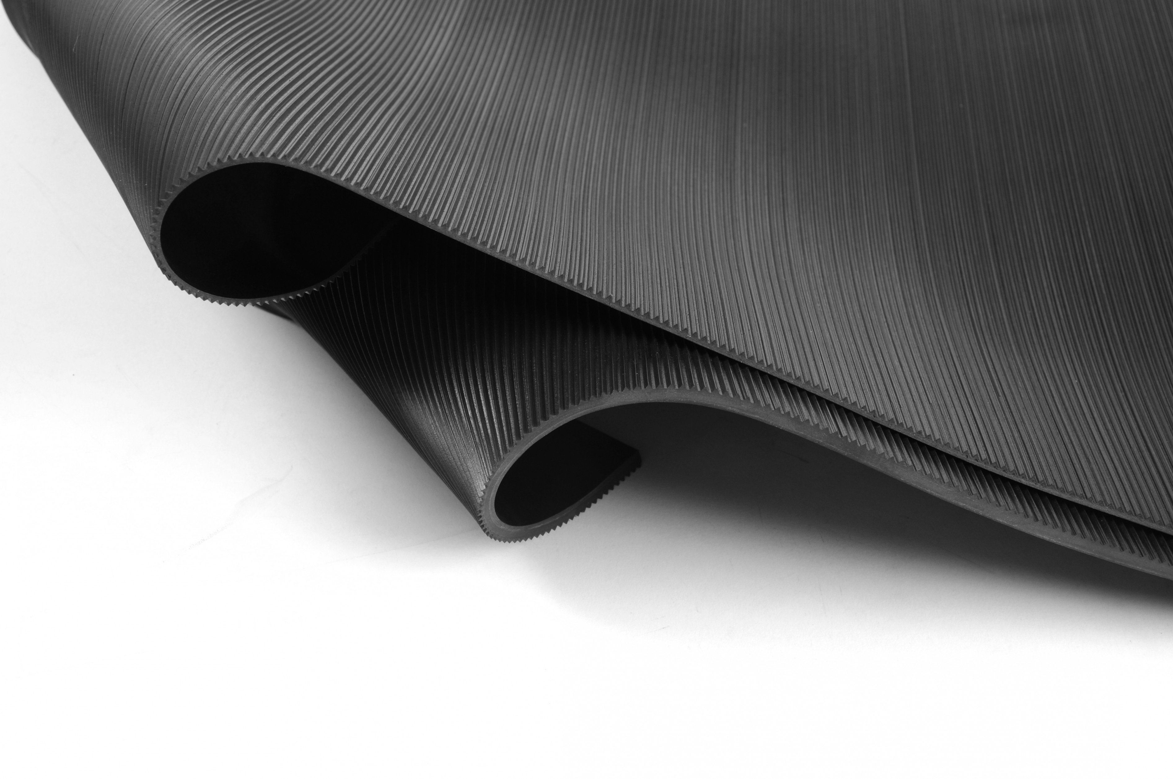Side Profile of Double Rolled Corrugated Rubber Mat