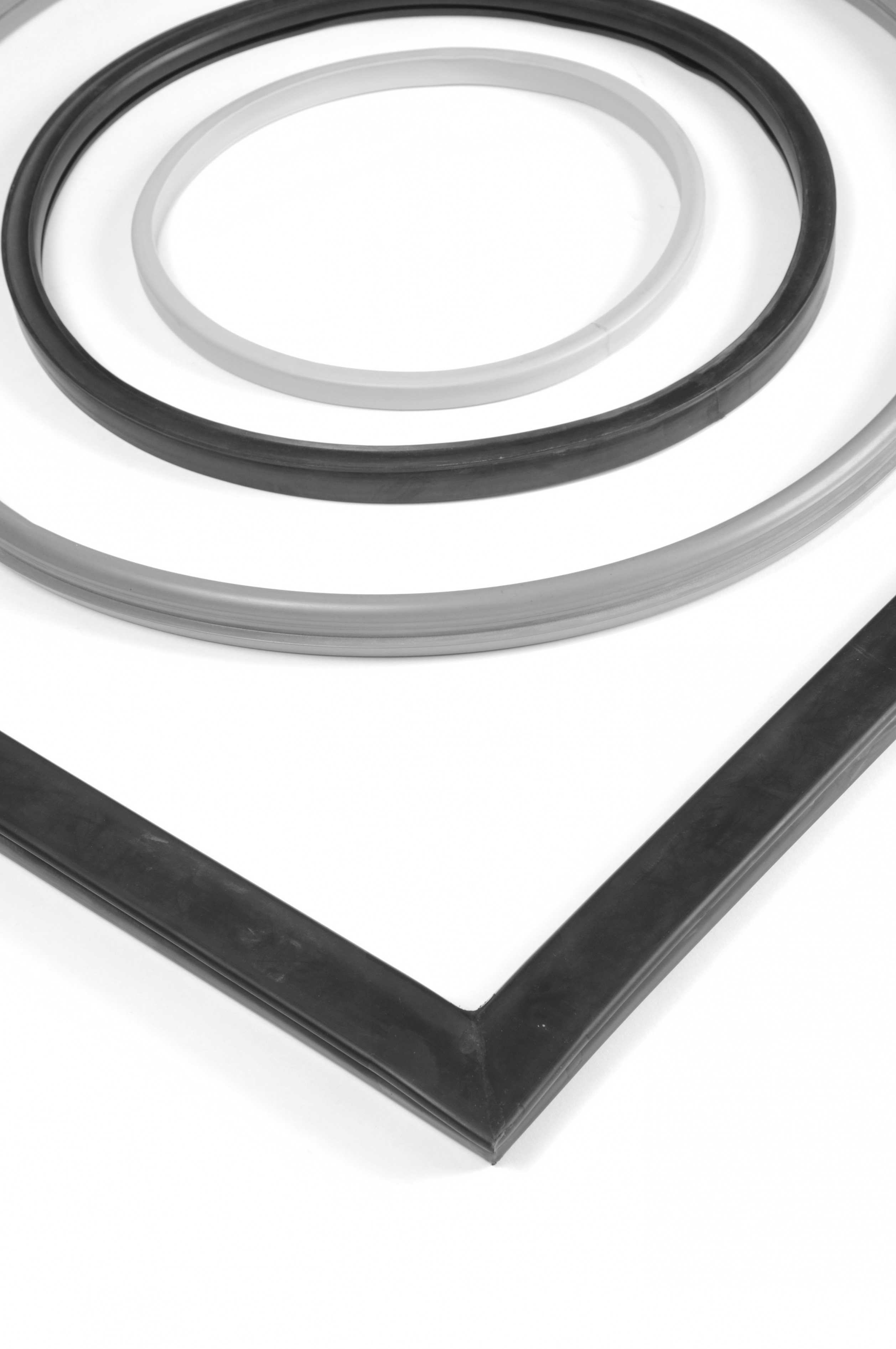 Loops of Extruded and Spliced Rubber